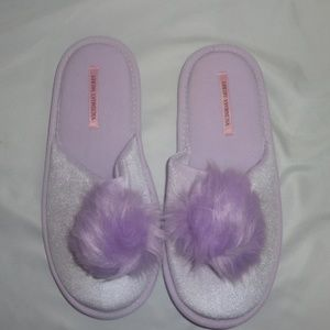 Victoria's Secret L Slippers VS Pom Pom Purple NIP